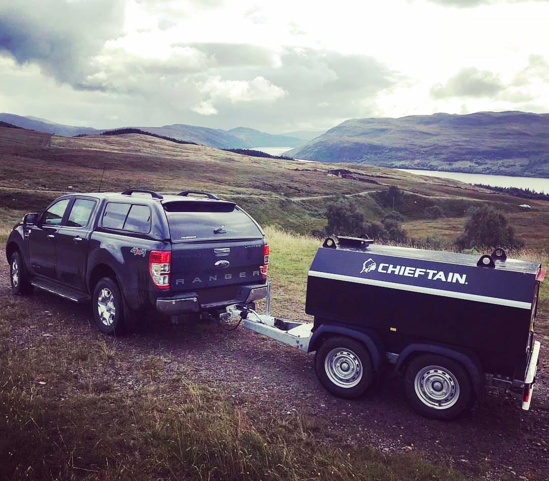 Cisterna de combustible para remolque en carretera